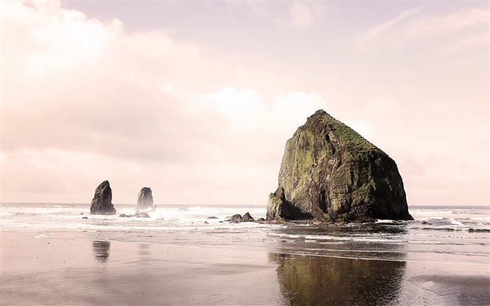 Cannon Beach-Nature Landscape Wallpapers Views:5136
