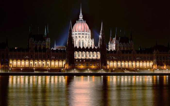 Hungarian Parliament Building Budapest-City photography wallpaper Views:7793