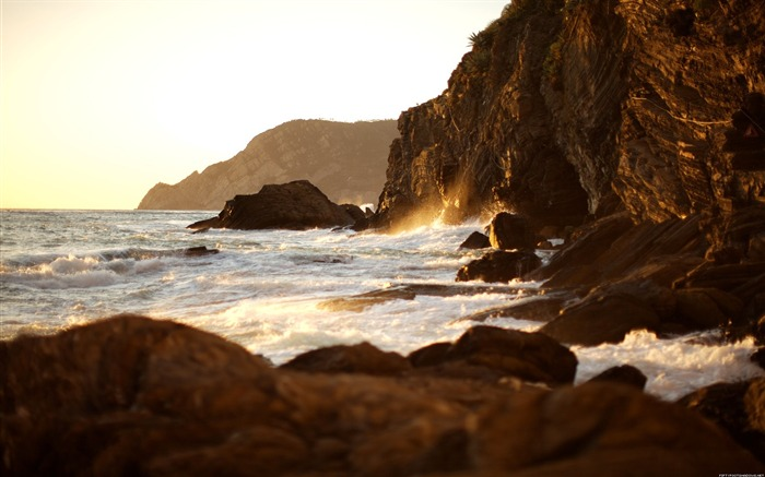 The coast under the setting sun-Nature Photography Wallpaper Views:2833