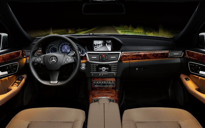 The front night vision effect-2012 Mercedes Benz E Class Saloon HD Wallpaper Views:12054