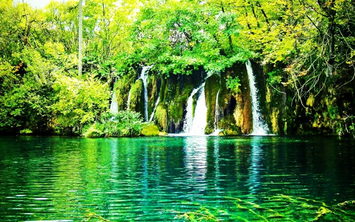 waterfalls-Nature Landscape Wallpapers Views:21969
