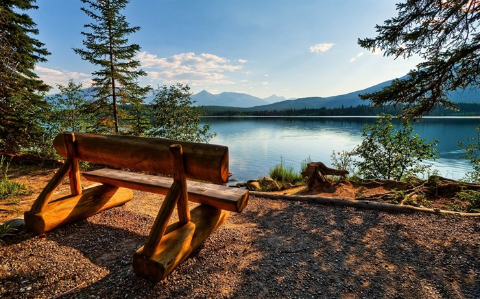 empty bench near the lake-Travel Nature Wallpapers Views:7967