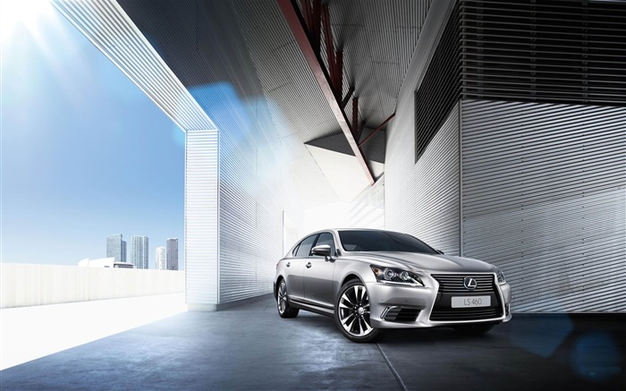 http://www.10wallpaper.com/wallpaper/medium/1211/2013_Lexus_LS_EU-Version_Auto_HD_Wallpaper_01_medium.jpg