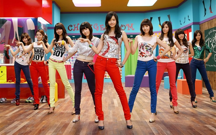 Girls Generation-beautiful girls idols combination HD photo wallpapers Views:9752
