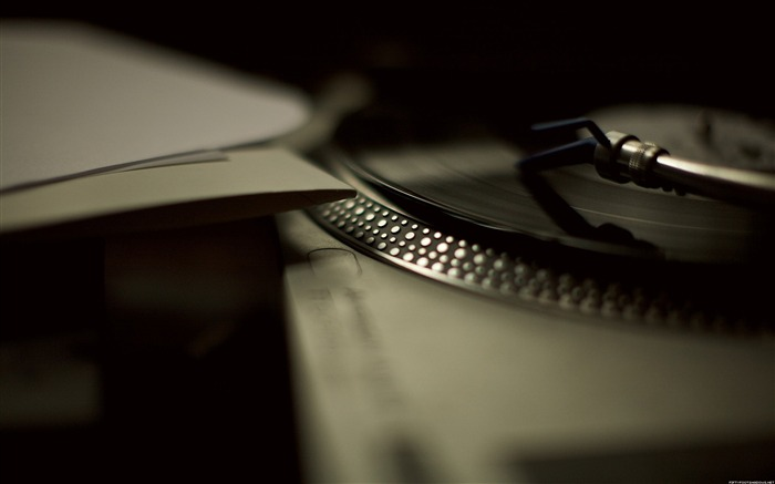 Listening to records-Life photography Wallpapers Views:5155