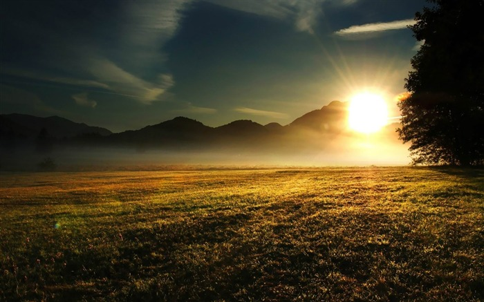 sunrise over the mountains-nature scenery wallpapers Views:4360