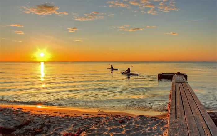 Kayaks morning-Natural landscape Photography Wallpaper Views:7508