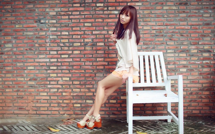 Pure leggy girls street shooting photo desktop wallpaper 07 Views:4951