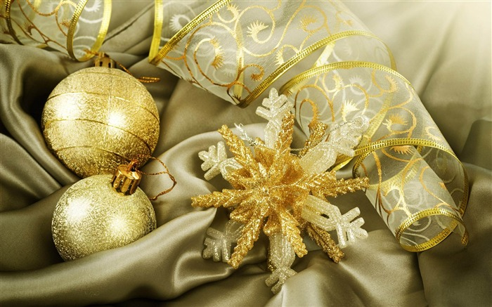 golden christmas decorations global-2013 Merry Christmas wallpapers Views:5120