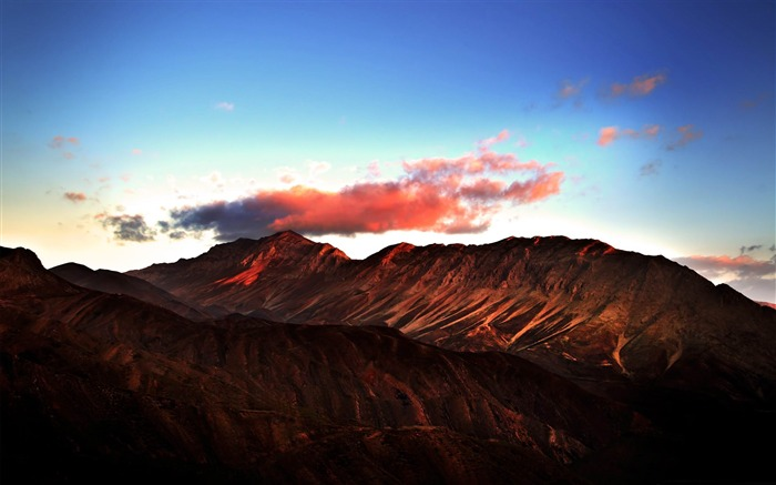 red mountains-Natural beauty widescreen wallpaper Views:4010