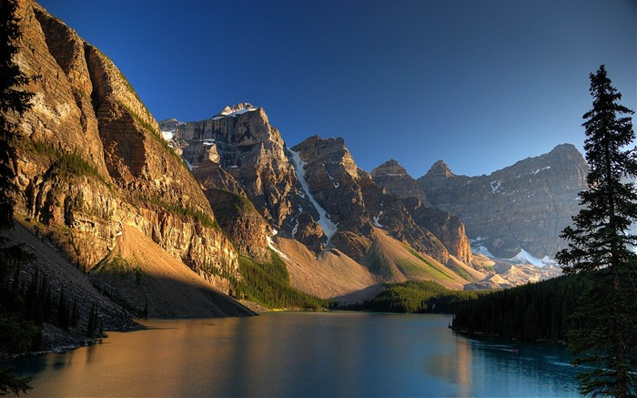 Dawn in Mountains-beautiful natural landscape Wallpaper Views:5047 Date:1/20/2013 9:46:05 PM
