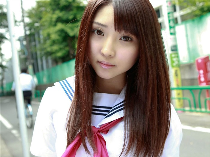 Pure Japanese school girl with the beat on the streets Wallpaper 05 Views:5729