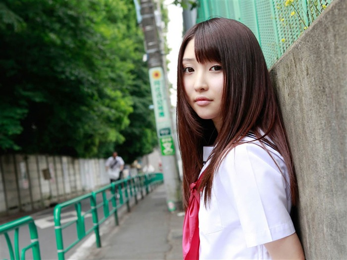 Pure Japanese school girl with the beat on the streets Wallpaper 10 Views:5579