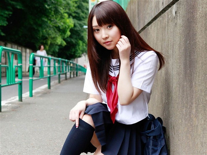 Pure Japanese school girl with the beat on the streets Wallpaper 11 Views:17825