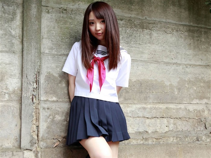 Pure Japanese school girl with the beat on the streets Wallpaper 14 Views:10634