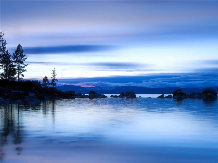 The morning of the lake-beautiful natural landscape Wallpaper Views:10544 Date:1/20/2013 9:44:58 PM