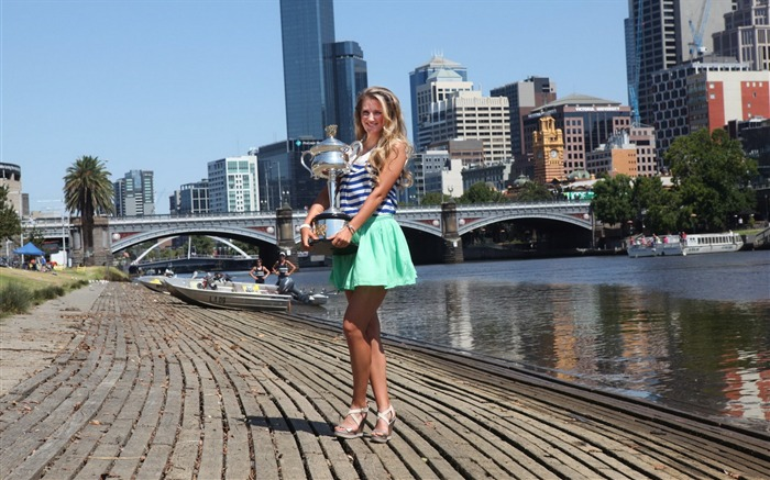 Victoria Azarenka-2013 Australian Open womens singles champion wallpaper 18 Views:2487