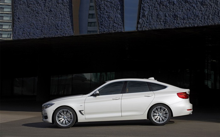 2014 BMW 3 Series Gran Turismo Luxury Line Auto HD Wallpaper 08 Views:6397 Date:2/10/2013 1:55:51 AM