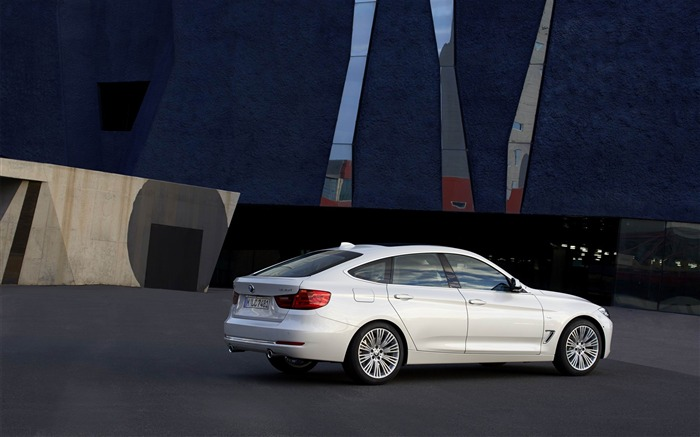 2014 BMW 3 Series Gran Turismo Luxury Line Auto HD Wallpaper 09 Views:6588 Date:2/10/2013 1:56:19 AM