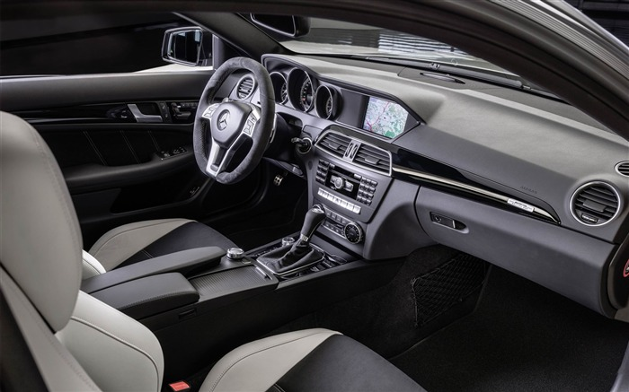 2014 Mercedes-Benz C63 AMG Edition 507 Auto HD Wallpaper 10 Views:6590 Date:2/21/2013 1:10:00 AM