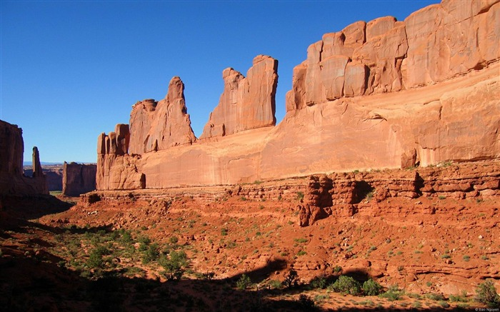 Arches National Park-Microsoft Windows Desktop Wallpaper Views:5956 Date:2/4/2013 1:19:03 AM