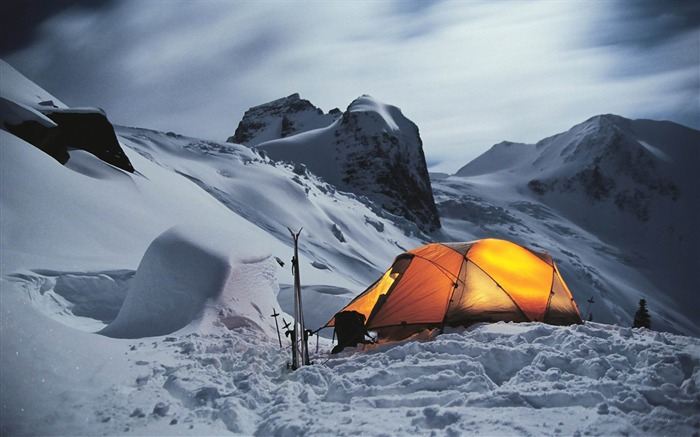 tent in the snowy mountains-Natural landscape widescreen wallpaper Views:6909