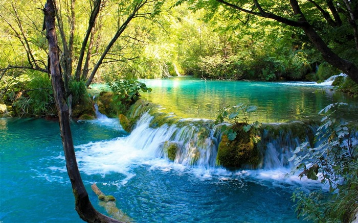 waterfall in plitvice lakes national park-Natural landscape widescreen wallpaper Views:14419