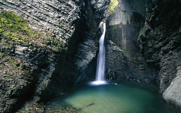 waterfall in the soca valley-Natural landscape widescreen wallpaper Views:3950
