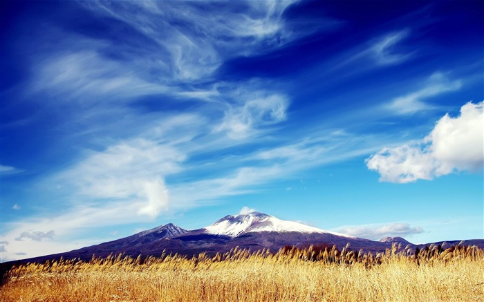 Blue sky-Natural landscape widescreen Wallpaper Views:7599 Date:3/24/2013 7:58:09 PM
