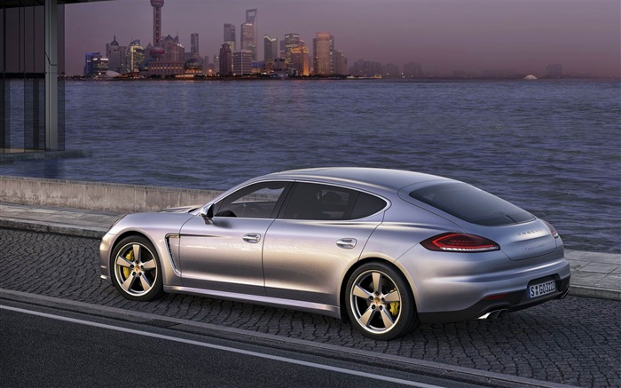 2014 Porsche Panamera Auto HD Desktop Wallpaper Views:5721