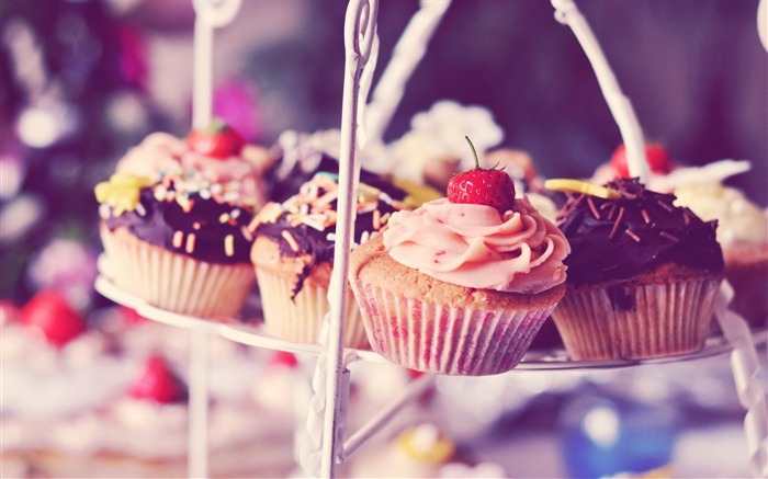 muffins chocolate strawberry sweet-food drinks HD wallpaper Views:2182