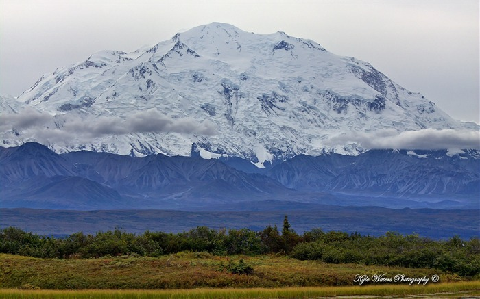 Beautiful Alaska natural scenery desktop wallpaper 01 Views:5243 Date:5/6/2013 10:29:43 PM