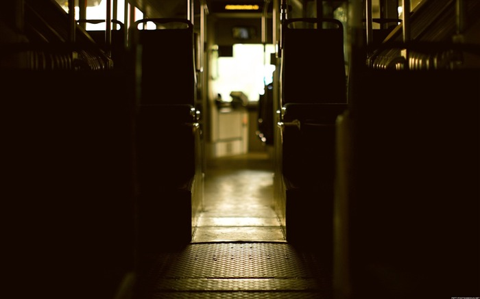 Bus channel-Life photography HD wallpaper Views:4262 Date:6/15/2013 12:16:27 AM