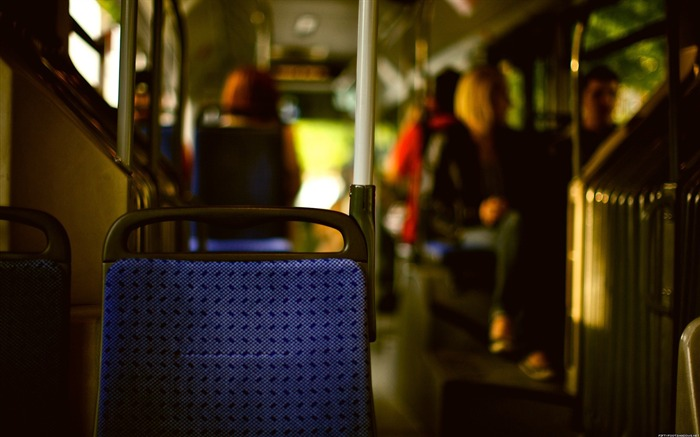 Buses-Life photography HD wallpaper Views:4783 Date:6/15/2013 12:19:15 AM