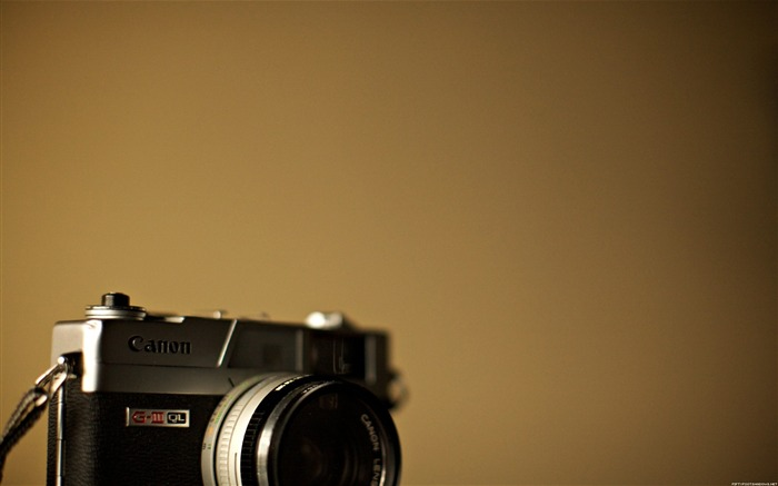 Canon film camera-Life photography HD wallpaper Views:9526 Date:6/15/2013 12:21:02 AM