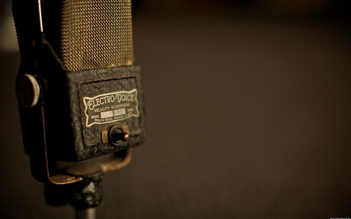 Complex ancient microphone-Life photography HD wallpaper Views:7787 Date:6/15/2013 12:22:31 AM