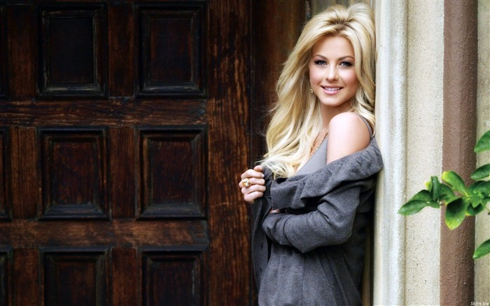 Julianne Hough-beauty photo HD wallpaper Views:7223 Date:6/6/2013 9:53:24 PM