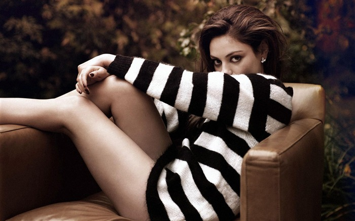 Mila Kunis-beauty photo HD wallpaper Views:5804 Date:6/6/2013 10:01:47 PM