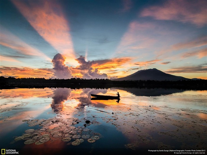 Rays of Sunrise-National Geographic wallpaper Views:4517