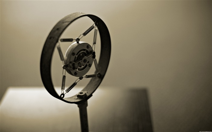 Retro microphone-Life photography HD wallpapers Views:3918 Date:6/15/2013 12:18:45 AM