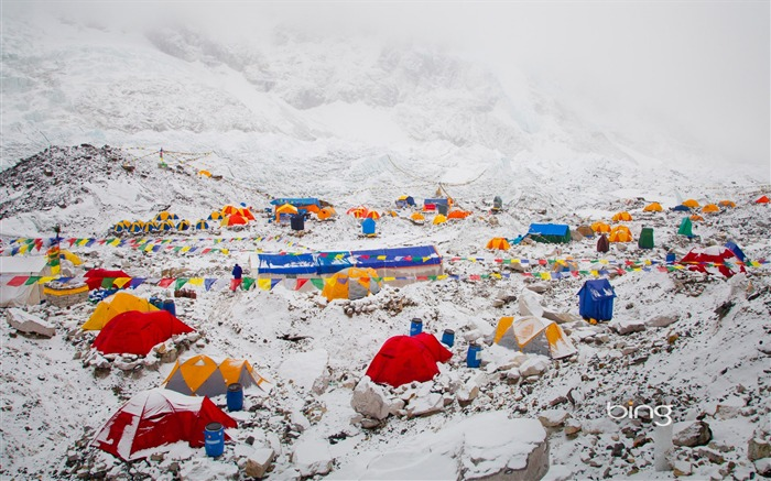 The foot of Mount Everest-June 2013 Bing wallpaper Views:3477 Date:6/3/2013 10:43:25 PM