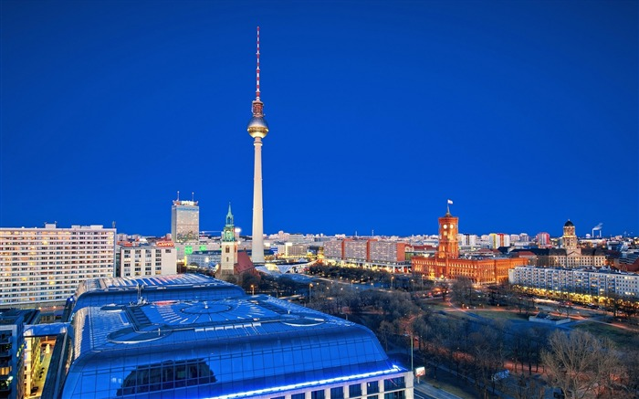 berlin city roads houses night-Photography HD wallpaper Views:7190 Date:6/20/2013 10:02:14 PM