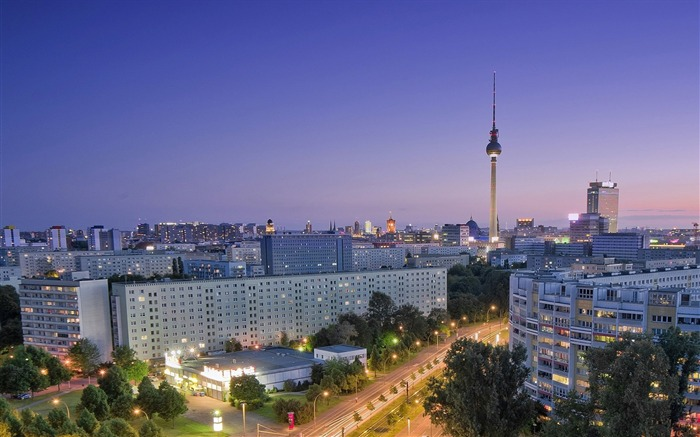 berlin city roads houses view from above-Photography HD wallpaper Views:5705 Date:6/20/2013 10:03:13 PM