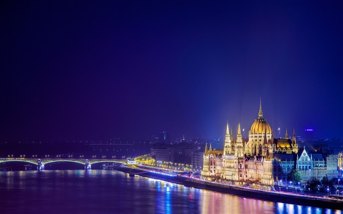 budapest hungary building-Photography HD wallpaper Views:6818 Date:6/20/2013 10:05:18 PM