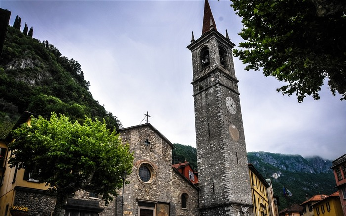 italy mountain tower-Photography HD wallpaper Views:4615 Date:6/20/2013 10:11:32 PM