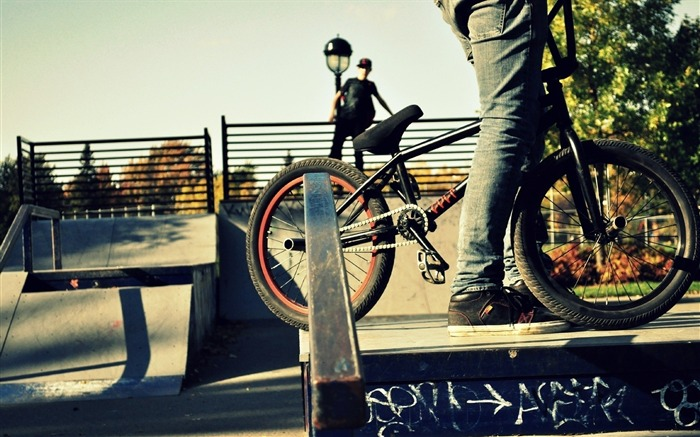people bmx bike-Sports HD Widescreen Wallpaper Views:11359 Date:6/23/2013 11:44:29 AM