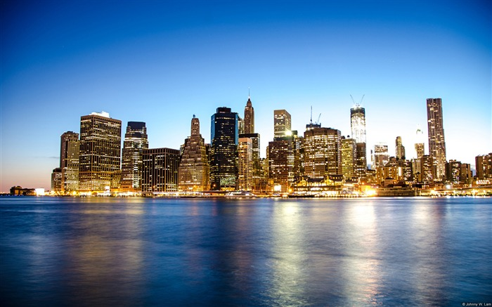 New York City skyline-Windows themes wallpaper Views:7547 Date:7/6/2013 5:41:27 PM