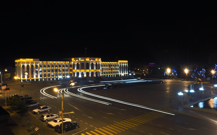 armenia gyumri central square-Cities HD Widescreen Wallpaper Views:5470 Date:7/14/2013 10:55:19 PM