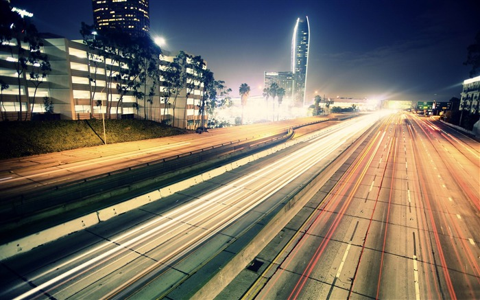highway night traffic-Cities HD Widescreen Wallpaper Views:6119 Date:7/14/2013 11:02:32 PM