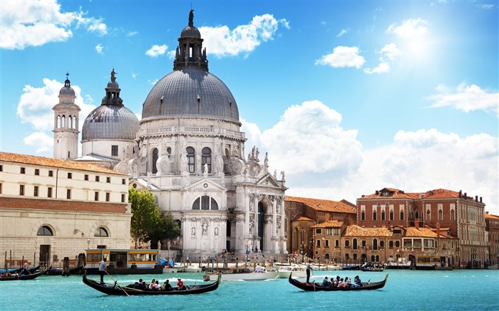 venice buildings river gondola people-Cities photo HD wallpaper Views:2453